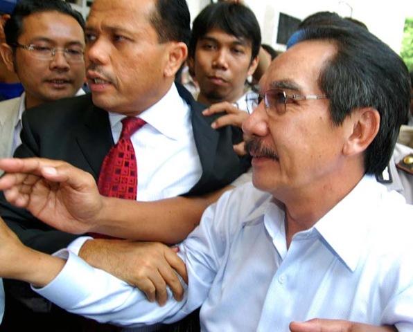 http://rakyatdemokrasi.files.wordpress.com/2009/05/antasari-azhar.jpg