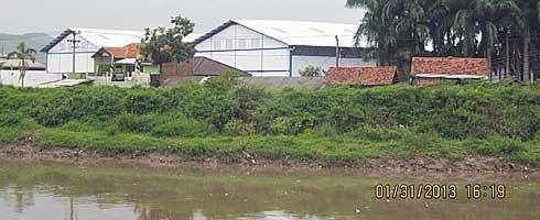 pencemaran sungai di kab bandung.jpg